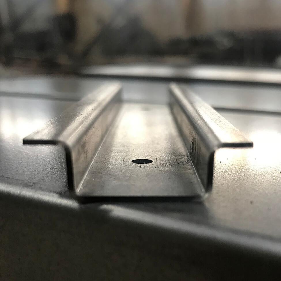 Изготовление изделий из листового металла гибкой